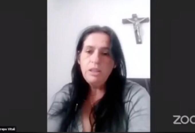 colombiana denuncia acoso de cónsul en caranarias