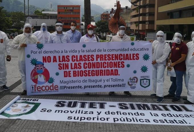 Protesta regreso a clases presencial en las instituciones de educación pública del país sin las medidas y protocolos de bioseguridad
