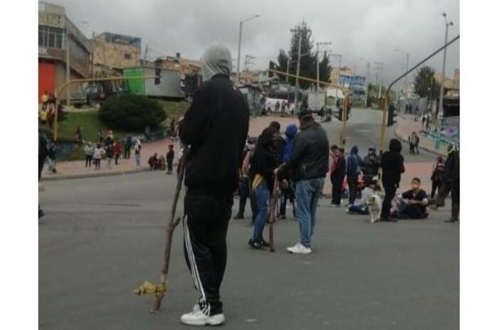 Protesta de habitantes en el sector de Usme, sur de Bogotá