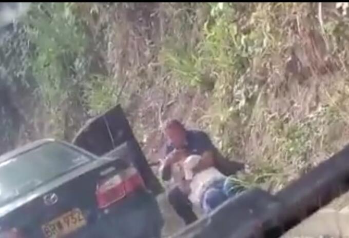 La mujer asegura que no fue golpeada