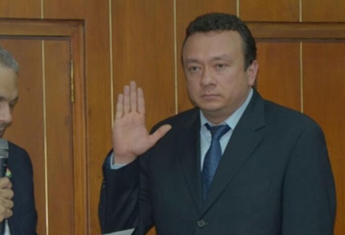 El senador Eduardo Pulgar.
