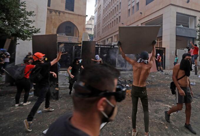 Protestas por explosión en Beirut, Líbano