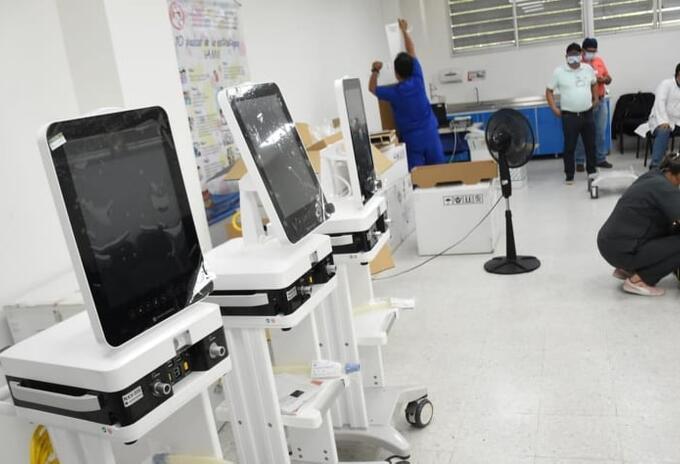 Las Unidades de Cuidados Intensivos, serán aperturadas gracias a 8 ventiladores queentregóel Ministerio de Salud