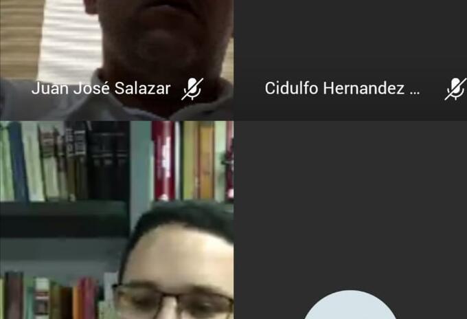 En la parte superior (Juan José Salazar Cruz) y en la parte inferior su abogado defensor, Andrés Félipe Caballero durante la diligencia virtual