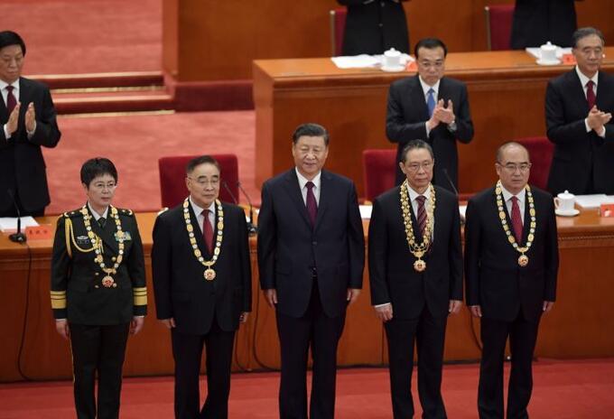 China condecora a trabajadores de la salud