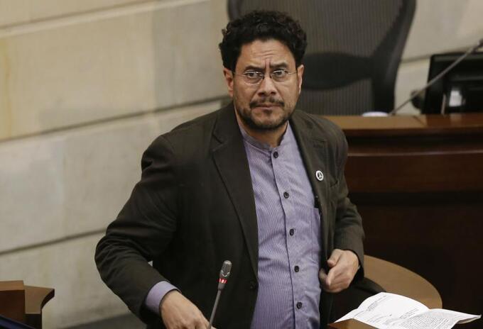 Luis Guillermo Echeverri solicita al País de España, que no publique más columna de Iván Cepeda