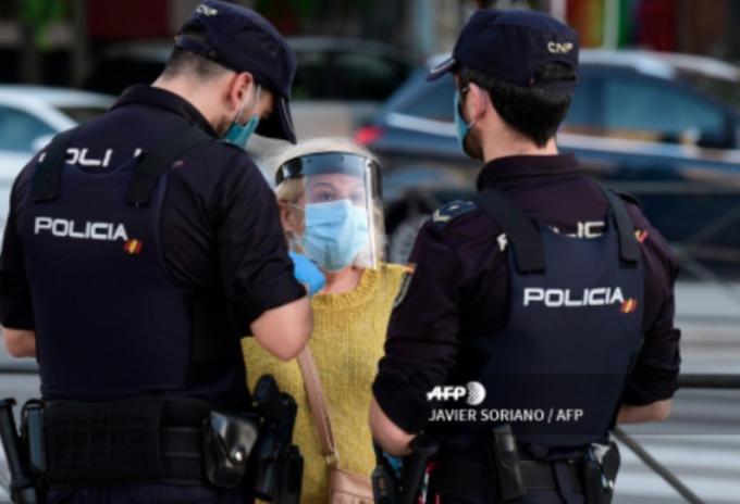 Policía España Coronavirus