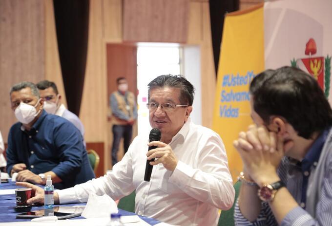 Ministro de Salud, Fernando Ruiz Gómez