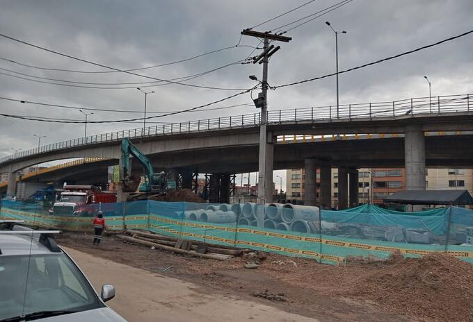 Puente avenida Boyacá con calle 63 en Bogotá.