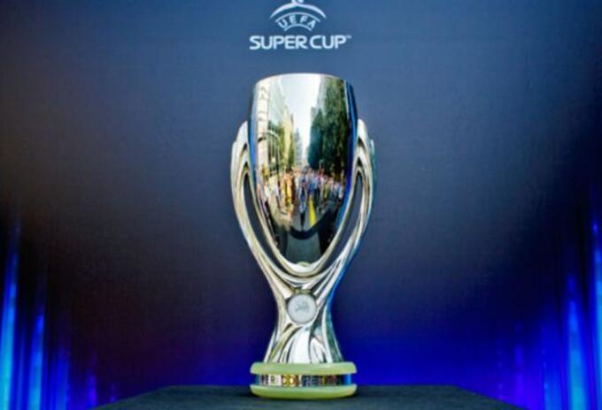 Trofeo Supercopa de la UEFA