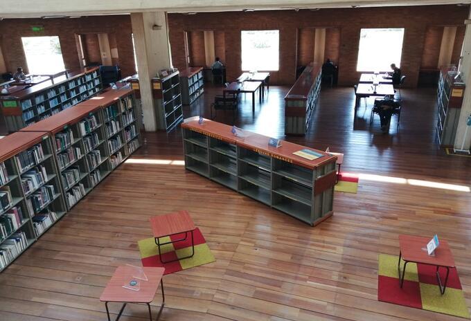 Biblioteca Virgilio Barco de Bogotá tras reactivación