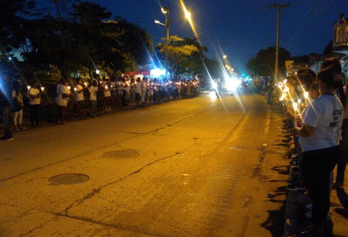 Velatón por muerte de joven futbolista a manos de uniformados de la policía en Cartagena