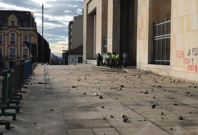 Palacio de Justicia en medio de las confrontaciones