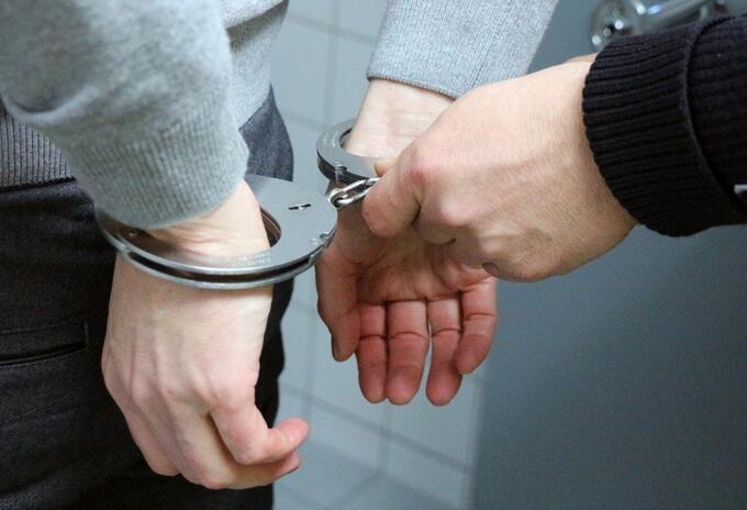 Envían a la cárcel a presunto asesino de una joven