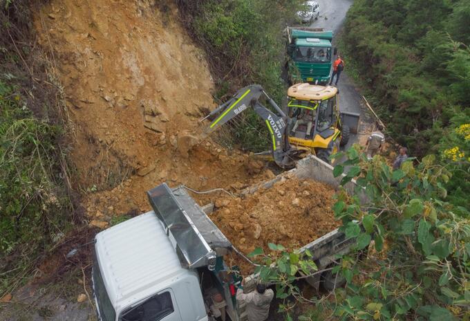 Cerca de 100 deslizamientos se han atendido por las lluvias en Medellín.