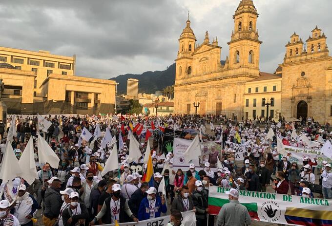 Peregrinación de los excombatientes de Farc en la Plaza de Bolívar.j