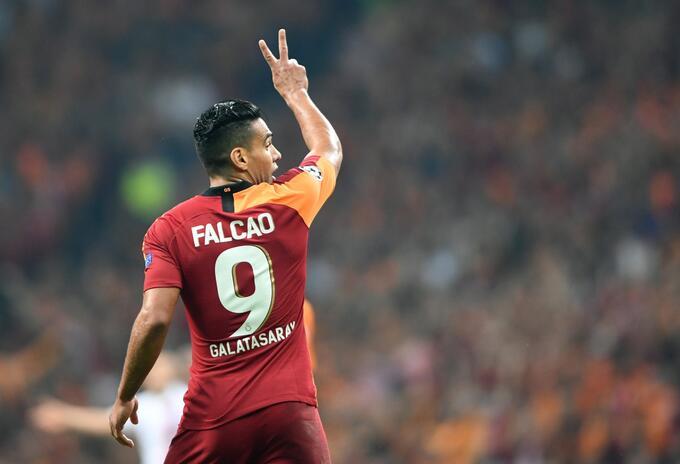 Falcao vuelve a España en busca de un milagro