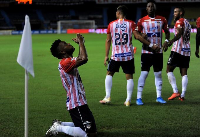 Miguel Ángel Borja celebra el gol del Junior