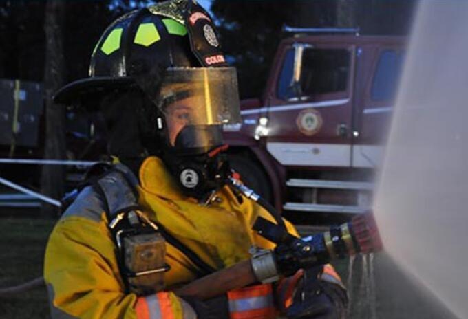 En Colombia hay 3.500 mujeres bomberas, 100 de ellas son comandantes de distintos cuerpos de bomberos del país.