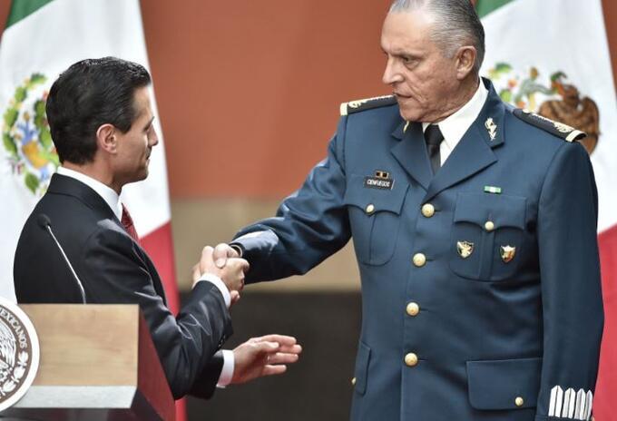 Enrique Peña Nieto y el general Salvador Cienfuegos