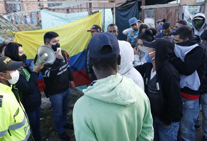 Desalojo de familias que vivían en terreno inestable de Soacha