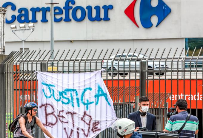 Asesinan a un hombre en un Carrefour de Brasil