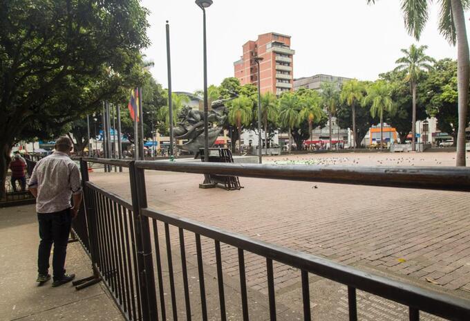 Plaza de Bolívar de Pereira cerrada.