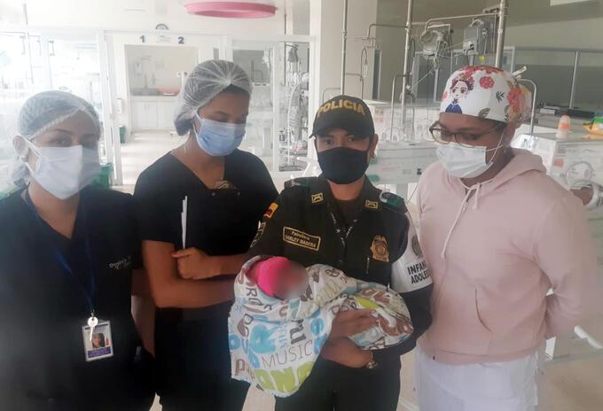 Rescatan a recién nacido