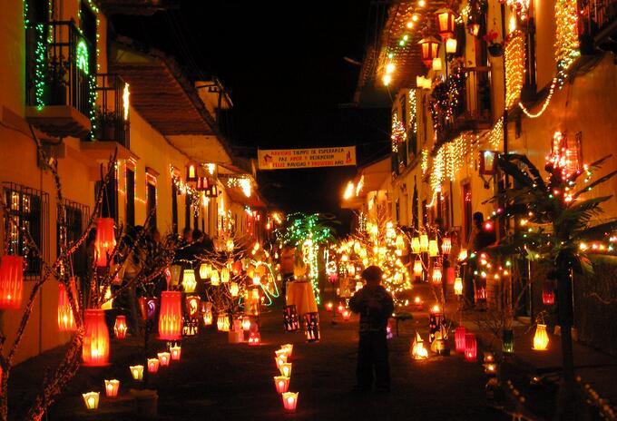 La Noche del Fuego es uno de los eventos en el marco de la celebración de velitas más importantes de Caldas.