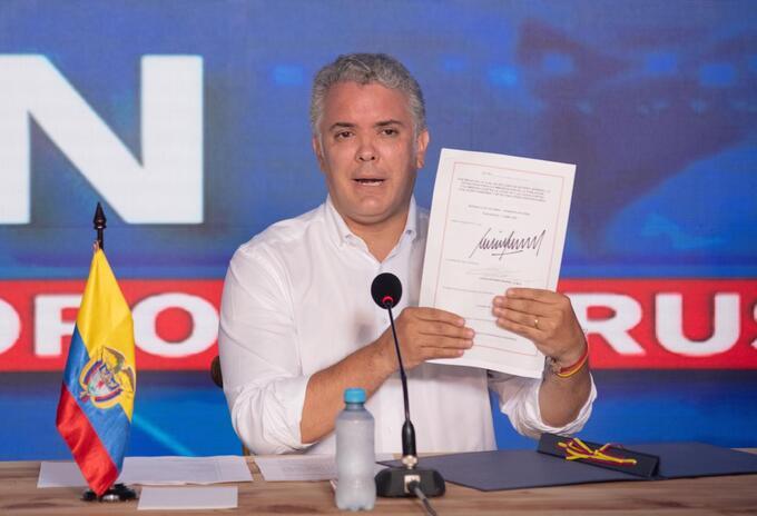Presidente Iván Duque firma ley que declara la gratuidad en la vacuna contra la covid-19