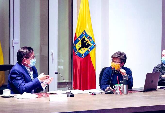 Ministro de Salud, Fernando Ruiz; alcaldesa de Bogotá, Claudia López y secretario de Salud de Bogotá, Alejandro Gómez