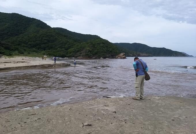 Los funcionarios de Parques Nacionales hacen verificación del caudal de los ríos y situación de los senderos