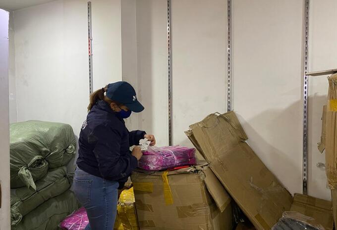 Dian aprehende mercancía de contrabando en el sector de San Victorino en Bogotá