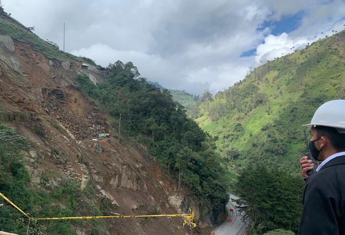 Km 38+900 de la vía Calarcá - Cajamarca