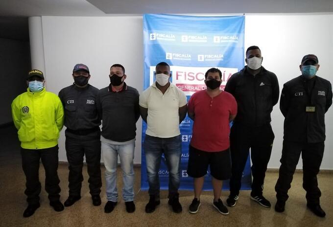 Tres policías fueron capturados porque supuestamente recibían dinero y oro, por alertar sobre operativos contra la minería ilegal