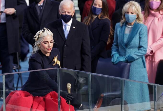 Lady Gaga en posesión de Biden