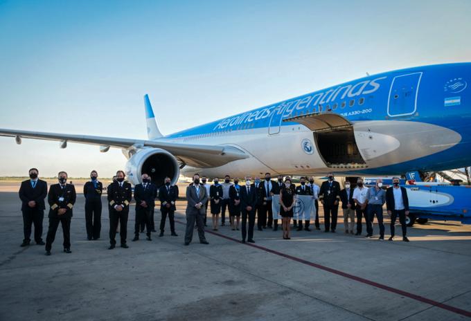 Aerolíneas Argentinas recoge vacunas rusas