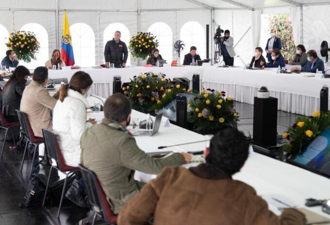 Iván Duque reunido con ministros en Hato Grande