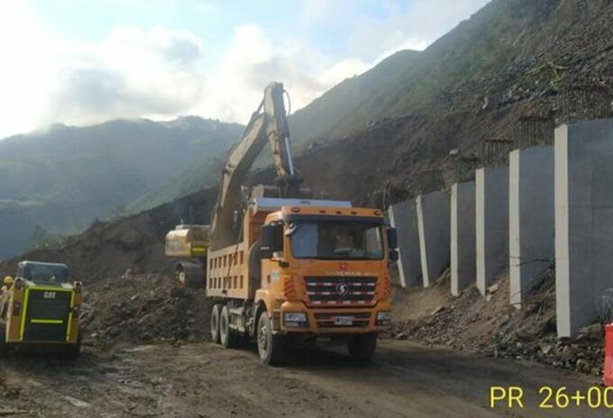 Remoción del derrumbe entre Dabeiba y Uramita, Antioquia.