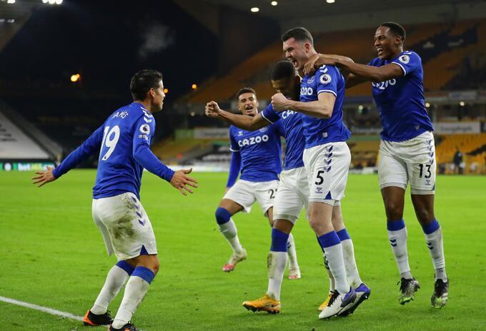 James Rodríguez y Yerry Mina protagonistas en Everton