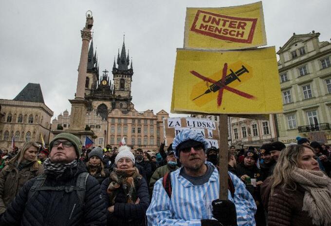 Manifestaciones en Praga contra medidas por la pandemia