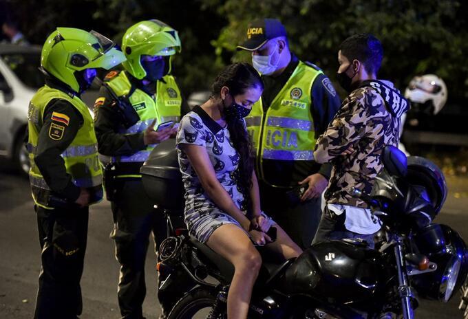 Operativos de la policía en las ciudades.