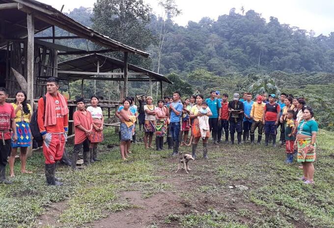 Indígenas embera eyádiba de resguardos ancestrales en Antioquia.