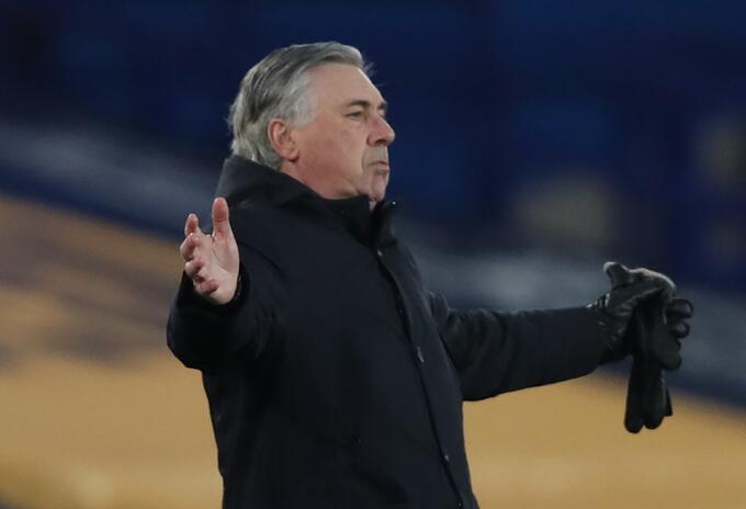 Carlo Ancelotti, técnico del Everton
