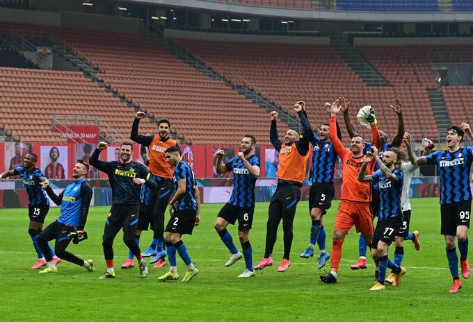 Inter celebra su victoria frente al Milan