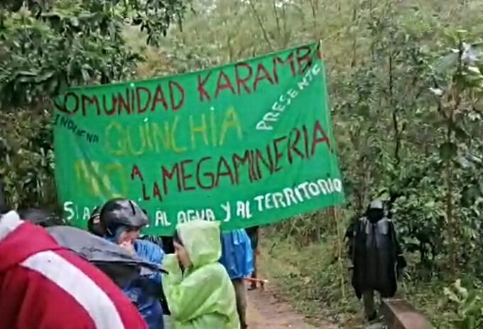 Mineros e indígenas protestando en Quinchía, Risaralda