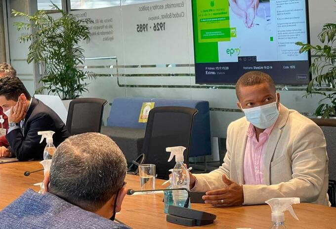 Reunión del personero de Medellín, William Vivas, con funcionarios de EPM.