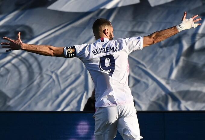Benzema marcó gol con Real Madrid