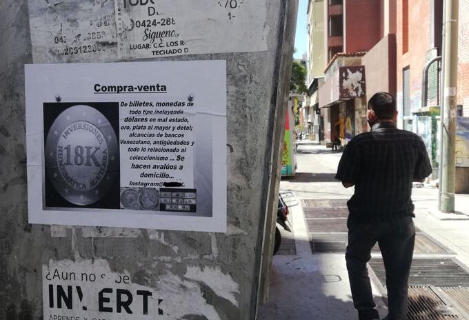 Compra de billetes en mal estado se abre paso en Venezuela