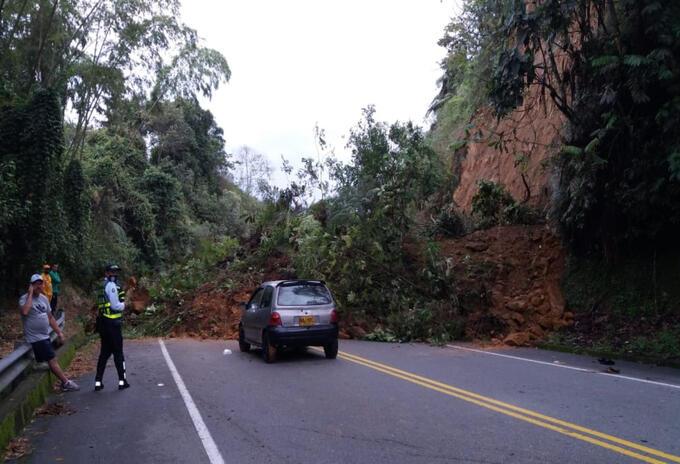 Varias vías del Quindío se han visto afectadas por deslizamientos de tierra